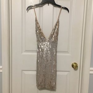 Forever 21 Sequin plunge dress NWT